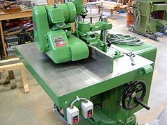 本実をつくる中古の機械